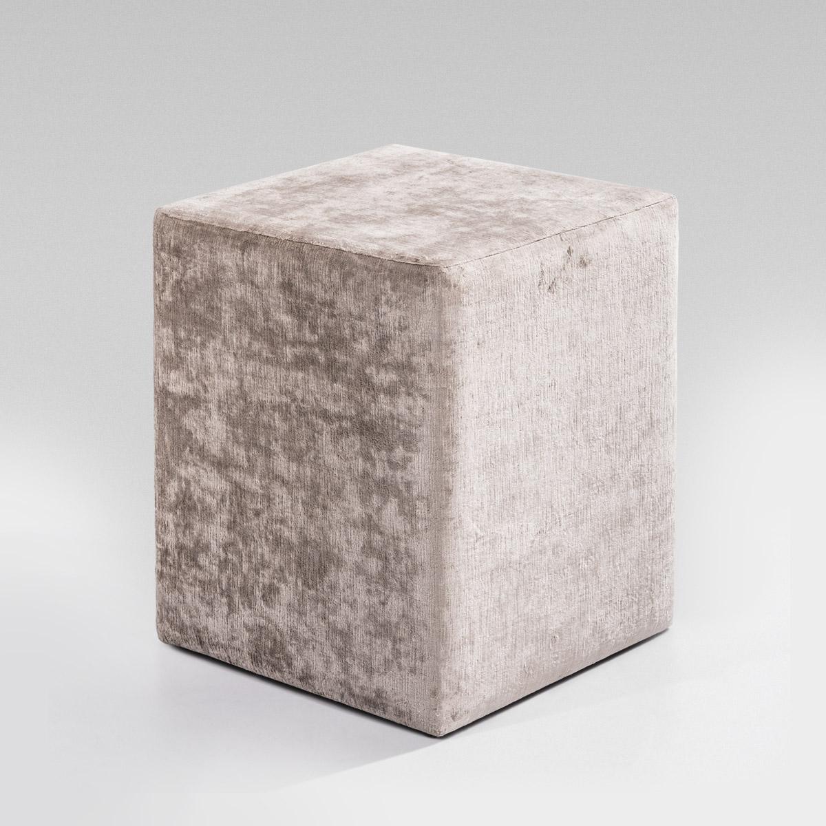 cubic Mesinha de cabeceira Cubic colunex cubic side table 01 1
